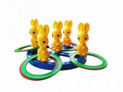Развивающая игрушка  Кольцеброс Зайчики Пластмастер